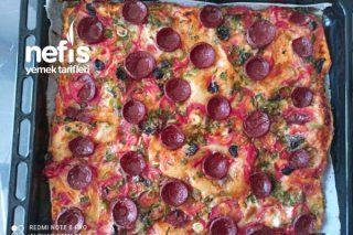 Kahvaltıya, Beş Çayına Muhteşem Kolay Pizza Tarifi