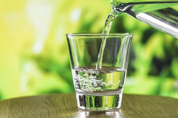 ılık su içmenin faydaları