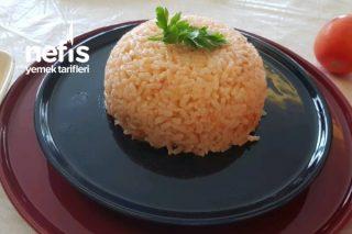 Domatesli Pirinç Pilavı (Videolu) Tarifi