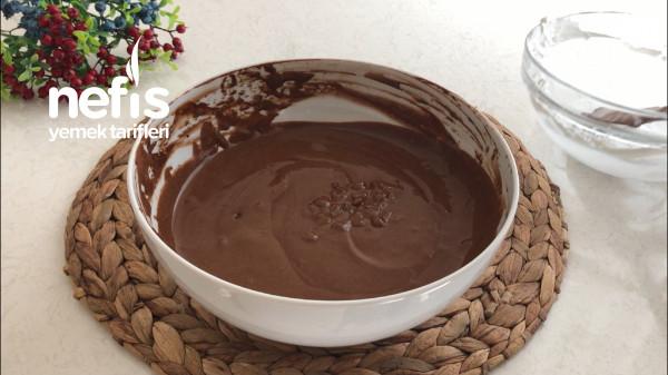 Sadece 4 Malzemeli 5 Dakikada Hazırlayabileceğiniz Çikolatalı Mousse Tarifi