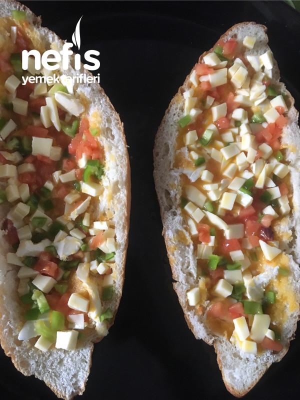Yumurtalı Sebzeli Ekmek