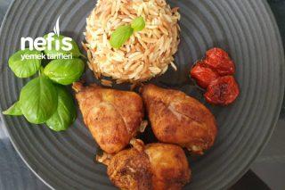 Fırında Tavuk İle Yanında Arpa Şehriyeli Pilav Tarifi