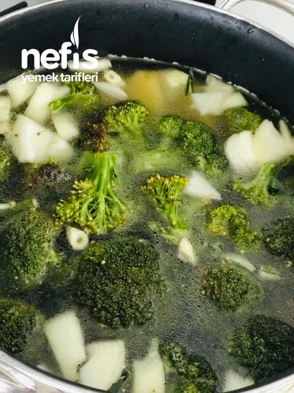 Şifa Deposu Brokoli Çorbası (En Lezzetli Tarifiyle)
