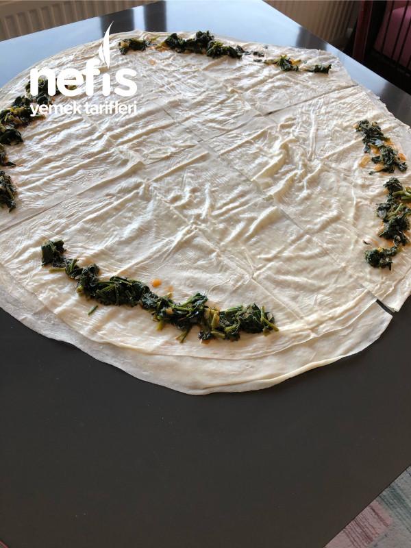 Ispanaklı Gül Böreği (Muhteşem Bir Tat Arayanlara)