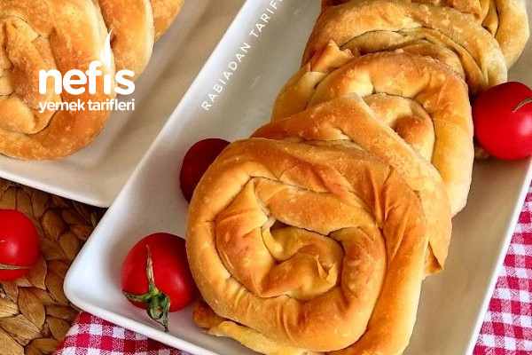 Çıtır Çıtır El Açması Ispanaklı Gül Böreği