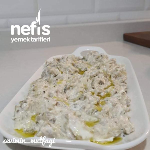 Yoğurtlu Közlenmiş Patlıcan Salatası