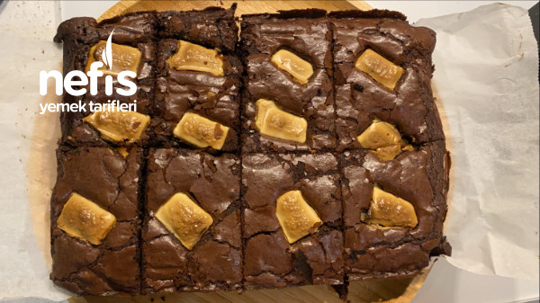 Çikolata Parçacıklı Browni