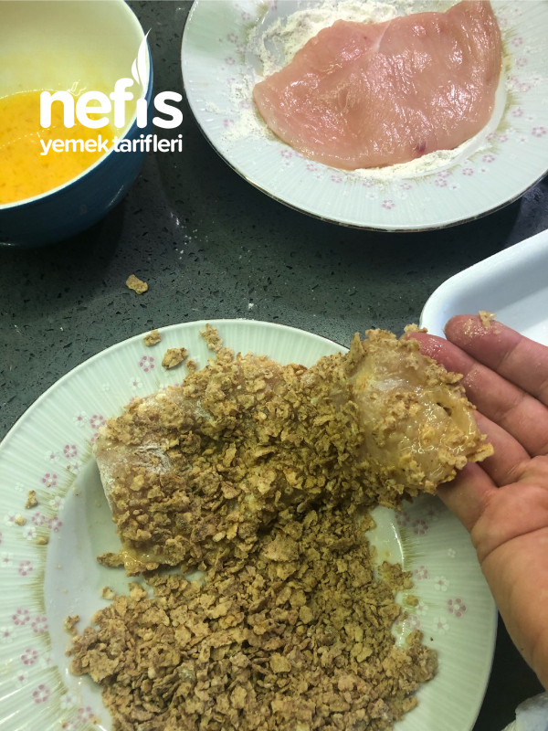Corn flakesli  Tavuk Kızartması