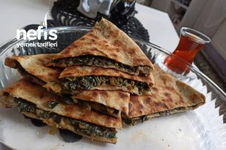 Kömbe Lezzetinde Ispanaklı Tava Böreği Tarifi