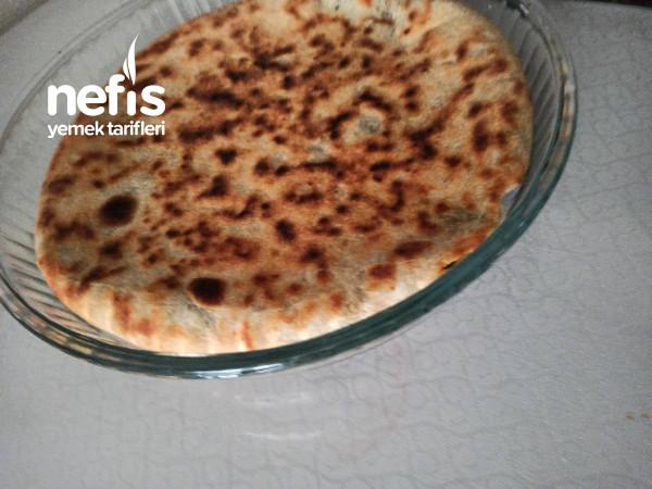 Kömbe Lezzetinde Ispanaklı Tava Böreği