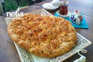 Sarımsaklı Ve Peynirli Ekmek (Pide) Tarifi