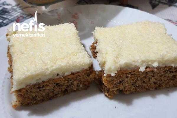 İrmik Kremalı Havuçlu Cevizli Kek