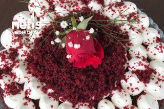 Red Velvet Cake (Kırmızı Kadife Pasta) Tarifi