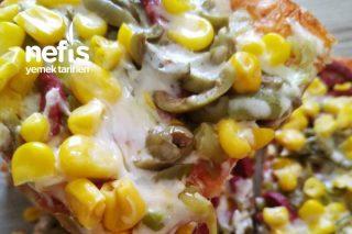 Tavada Enfes Pizza  (Hamuru Mayalı) Tarifi