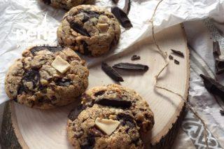 Triple Chocolate Cookies (Üç Çikolatalı Kurabiye) Tarifi