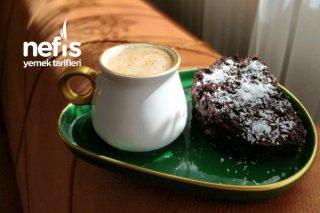 Browni (Bool Çikolata Soslu Kek) Tarifi