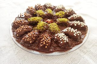 İkramlık Çikolatalı Lezzet Topları (Her Şeyi Ev Yapımı Enfes Truf) Tarifi