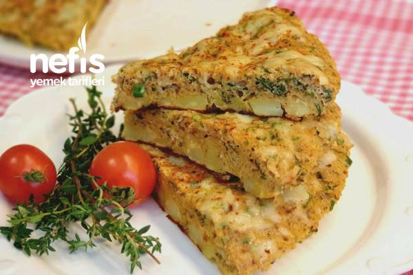 Kahvaltı İçin Nefis Patatesli Tava Böreği