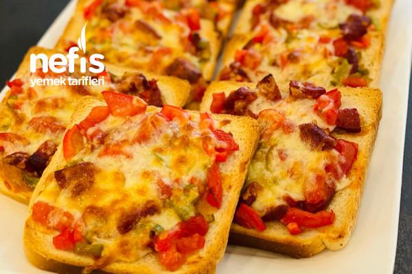 Kahvaltılık Nefis Domatesli Sucuklu Ekmek Dilimleri Tarifi