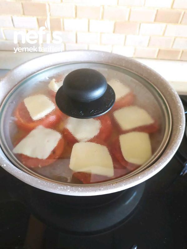 Kaşarlı Domates (Kahvaltılık Ya Da Ara Sıcak)