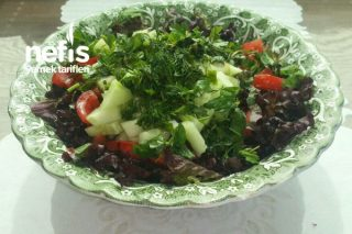 Lolorosso Kırmızı Marul Salatası Tarifi