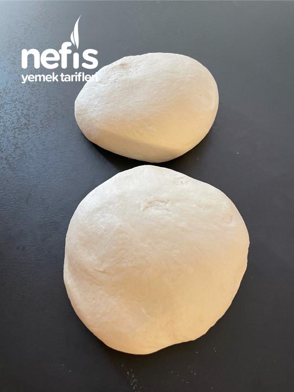 Kahvaltı Sofralarının Vazgeçilmezi Nefis Sarımsaklı Domatesli Ekmek