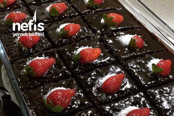 Çikolata Severlerin Bayılacağı Yoğun Islak Kek (Brownie) (Videolu)
