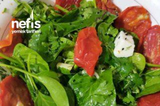 Tam Tadında Ispanak Salatası Tarifi