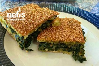 Az Malzemeli Ispanaklı Çörek Tarifi