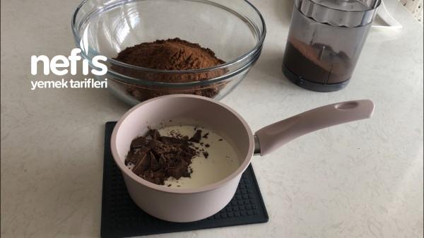 Sadece 3 Malzemeyle Mükemmel Lezzet Çikolatalı Truff Tarifi