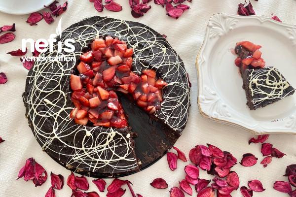 Kalp Şekilli Çilekli Mozaik Pasta (Sevgililer Günü Pastası Doğum Günü Pastası) Videolu