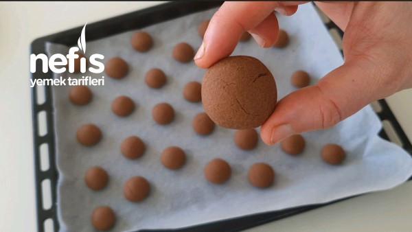 Sadece 3 Malzeme İle Tam 1 Tepsi Nutellalı Kurabiye Tarifi (Videolu)