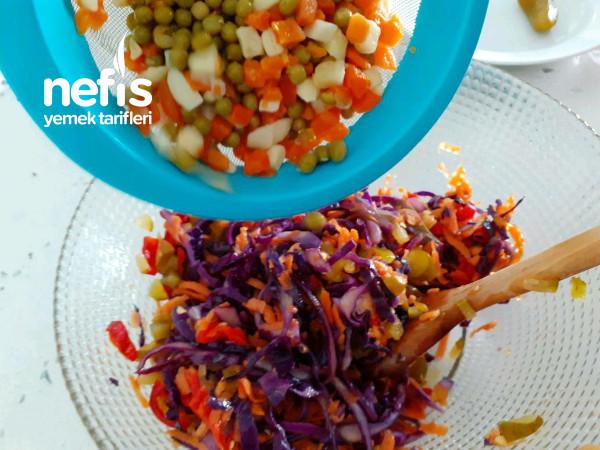 Davet Sofralarınızı Süsleyecek Harika Bir Salata
