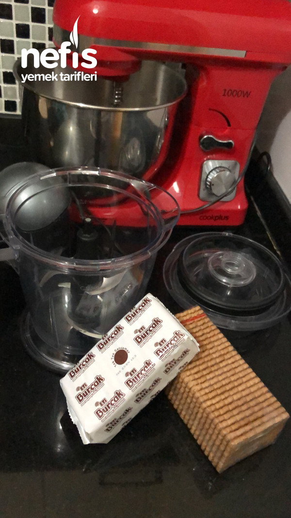 Bol Çikolatalı Pişmeyen Pasta