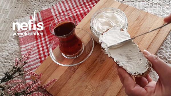 15 Dakikada Kahvaltıya Hazır Katkısız Krem Peyniri Tarifi