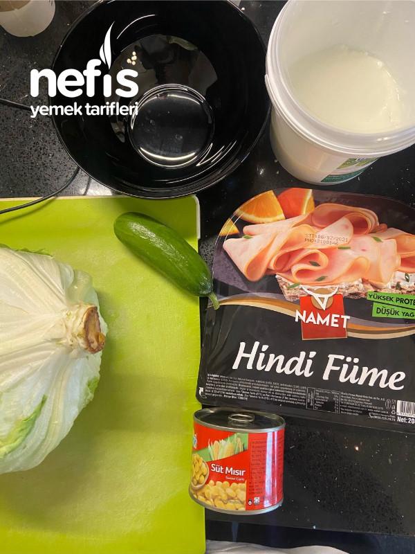Hindi Fümeli Yoğurtlu Salata