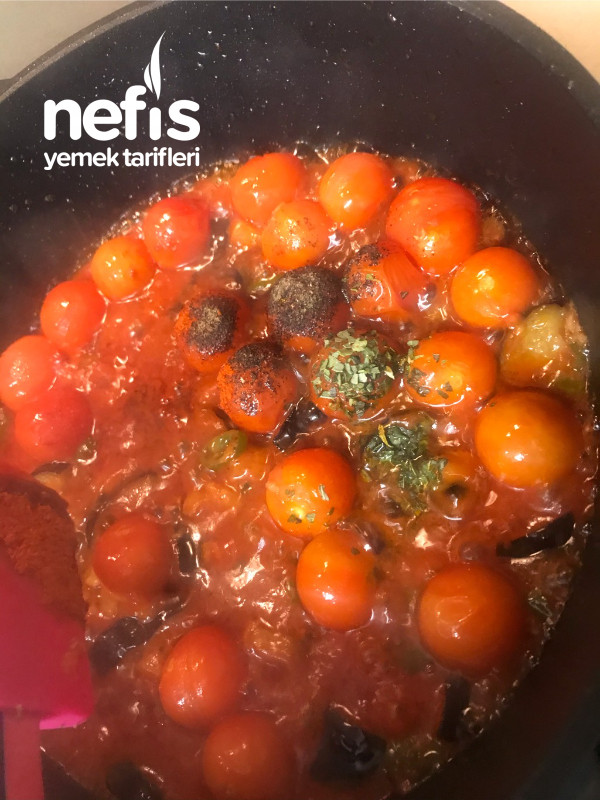 Patlıcanlı, Şeri Domatesli Makarna (Enfes Bir Lezzet)