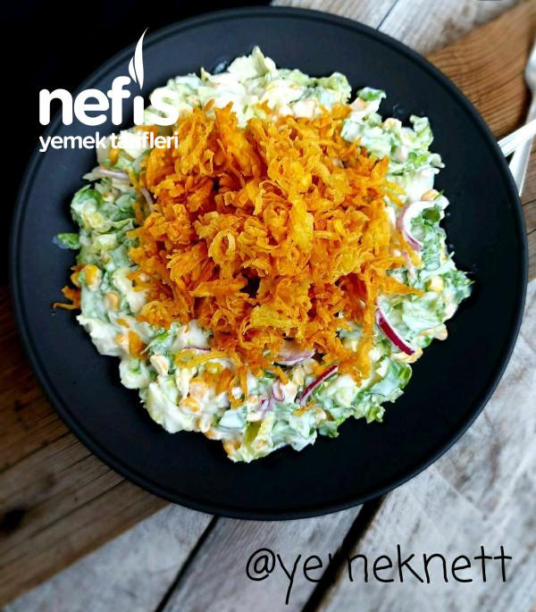 Çıtır Patatesli Marul Salatası