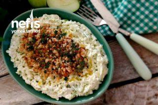 Elma Salatası (Kıtır Ekmekli) Tarifi
