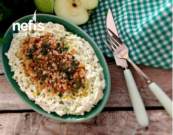 Elma Salatası (Kıtır Ekmekli)