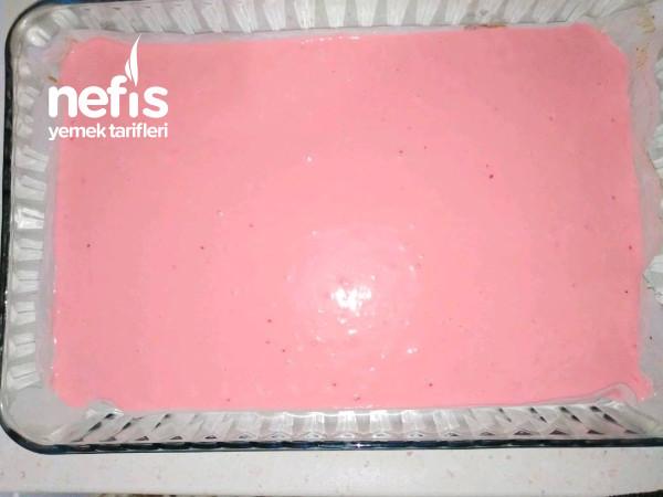 Gıda Boyasız Pembe Güzeli Pastaneden Alınanı Aratmayan Yaş Pasta (Yapımı Kolay 3 Katlı)