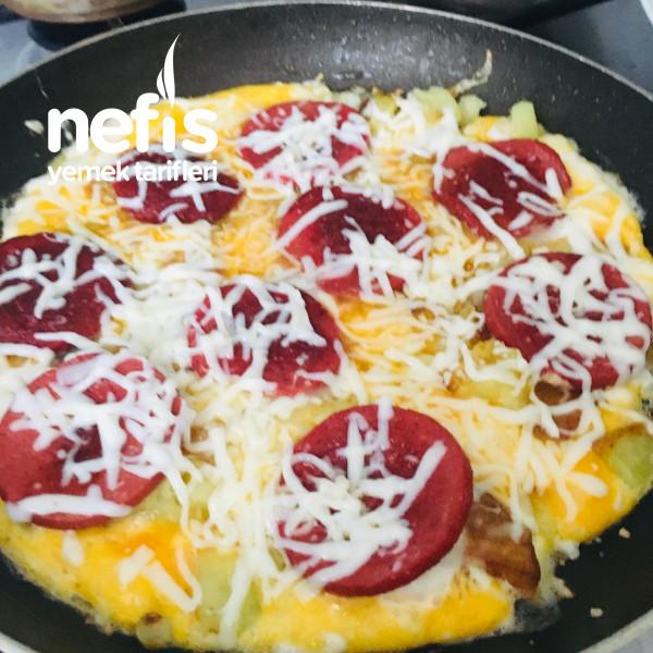 Kahvaltıya Pratik Patates Pizza