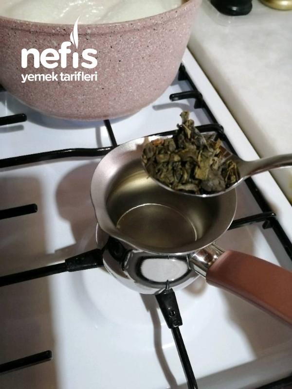 Metabolizmayı Hızlandıran, Göbek Eriten Emziren Anne Dostu Karanfilli Yeşil Çay