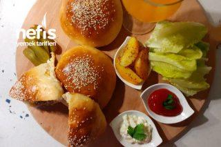 Fırında Gurme Hamburger (Karamelize Soğanı İle) Bu Hamburger Favoriniz Olacak Tarifi
