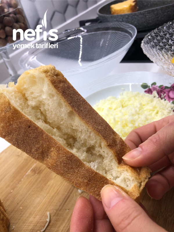Hiç Yağ Çekmeyen Yumurtalı İçi Kaşarlı Ekmek
