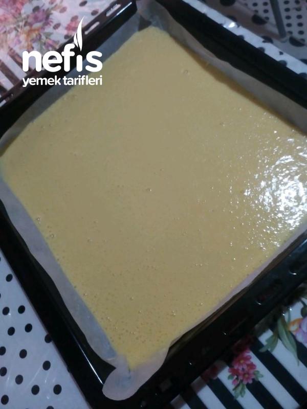 Özel Pastacı Kremasıyla Meyveli Rulo Pasta (Pamuksu Lezzetiyle)