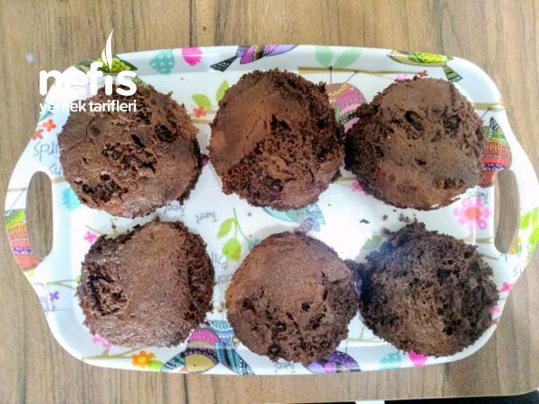 Çikolata Soslu Köpük Kek