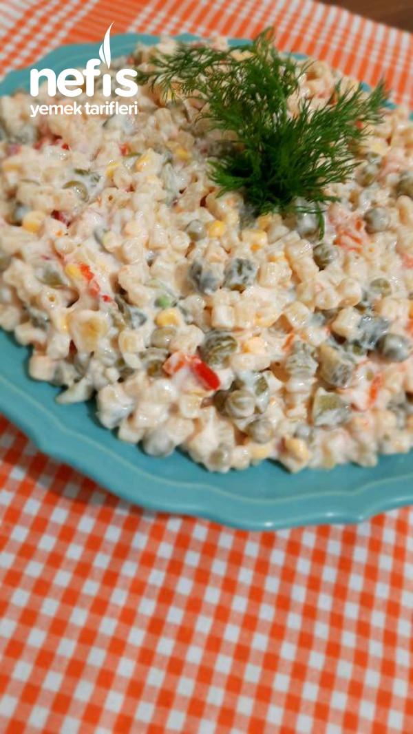 5 Dakikada Yogutlu Makarna Salatası
