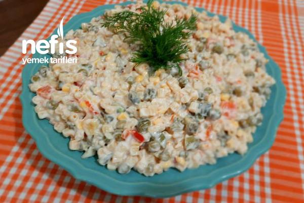 5 Dakikada Yoğurtlu Makarna Salatası (Videolu)