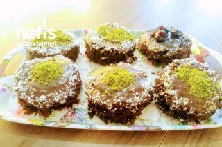 Çikolata Soslu Köpük Kek Tarifi